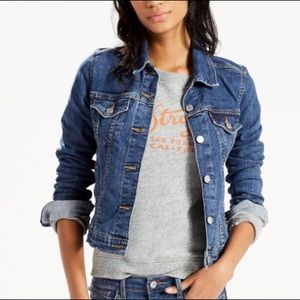 Levi's iconic Cropped Trucker Jean Jacket Size L